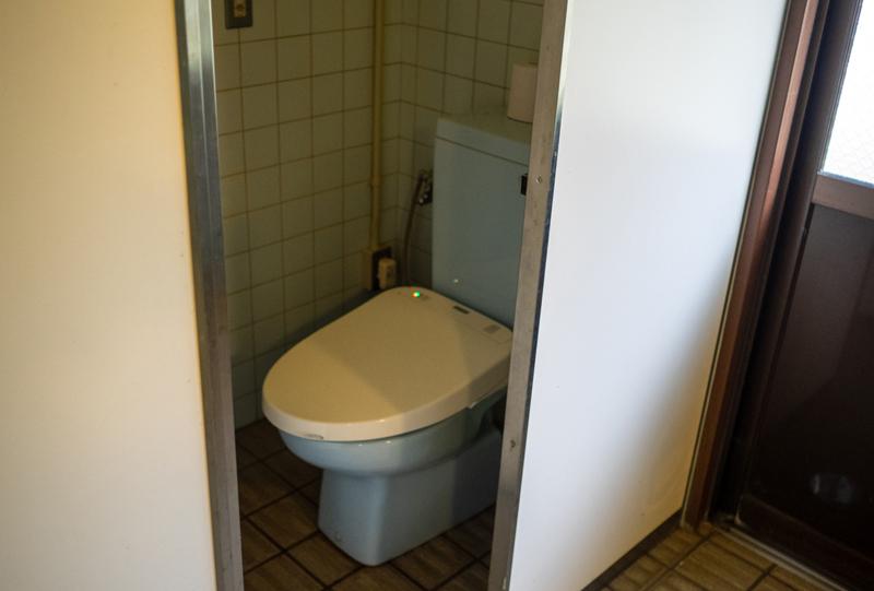 洋式トイレも完備されていました。